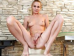 Babe, Masturbation, MILF, Lingerie, Small Tits